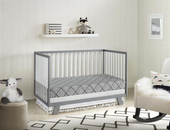 Onni Day Bed White Gray RS Angled